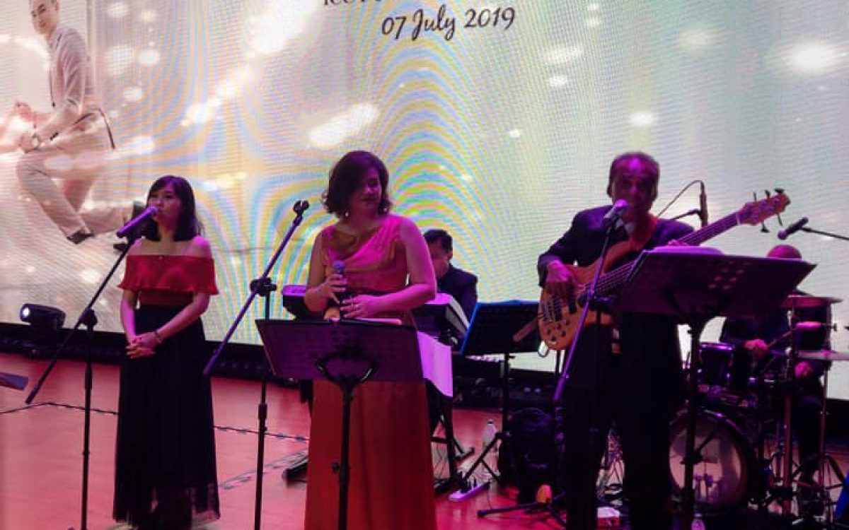 wedding band performance