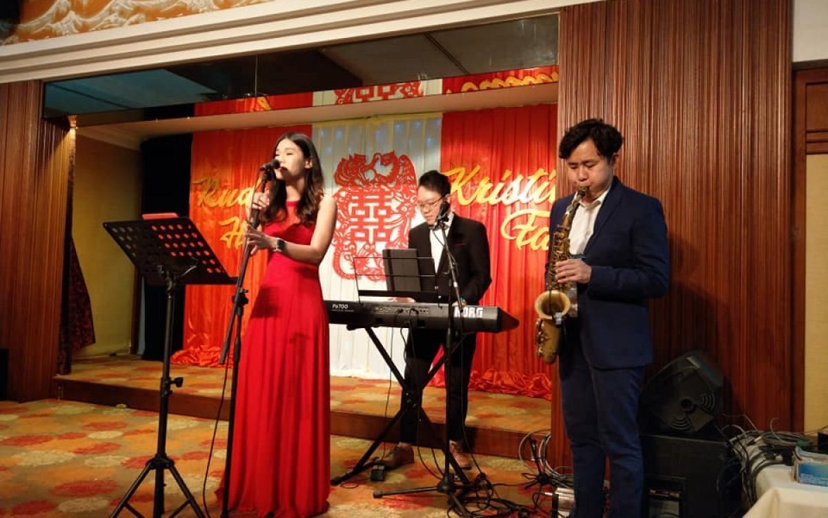 wedding band performance